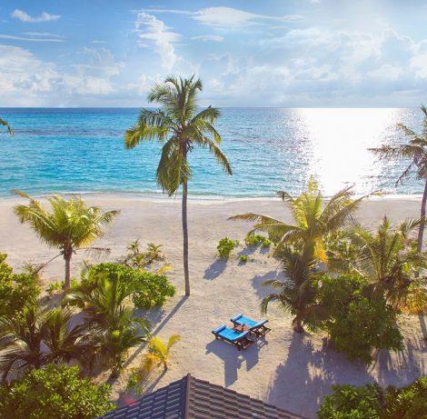 3* Innahura Maldives Resort for 7 nights from R26 830 per person sharing